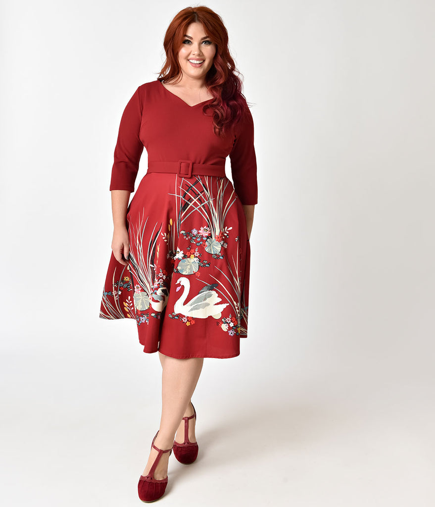 Plus Size 1950s Style Burgundy Swan Scene Print Sleeved Swing Dress