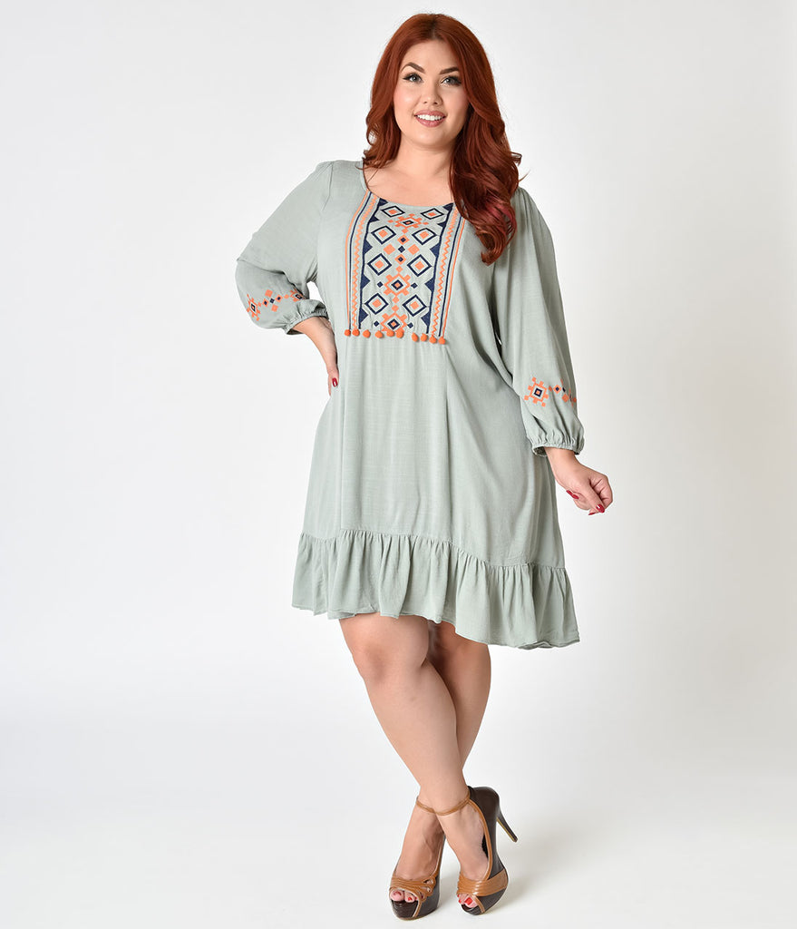Plus Size 1970s Style Sage Green Long Sleeve Shift Dress