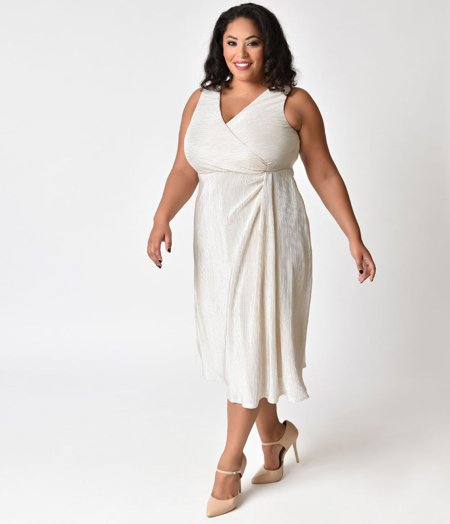 Plus Size Ivory Moonbeam Ruched Spotlight Cinch Swing Dress