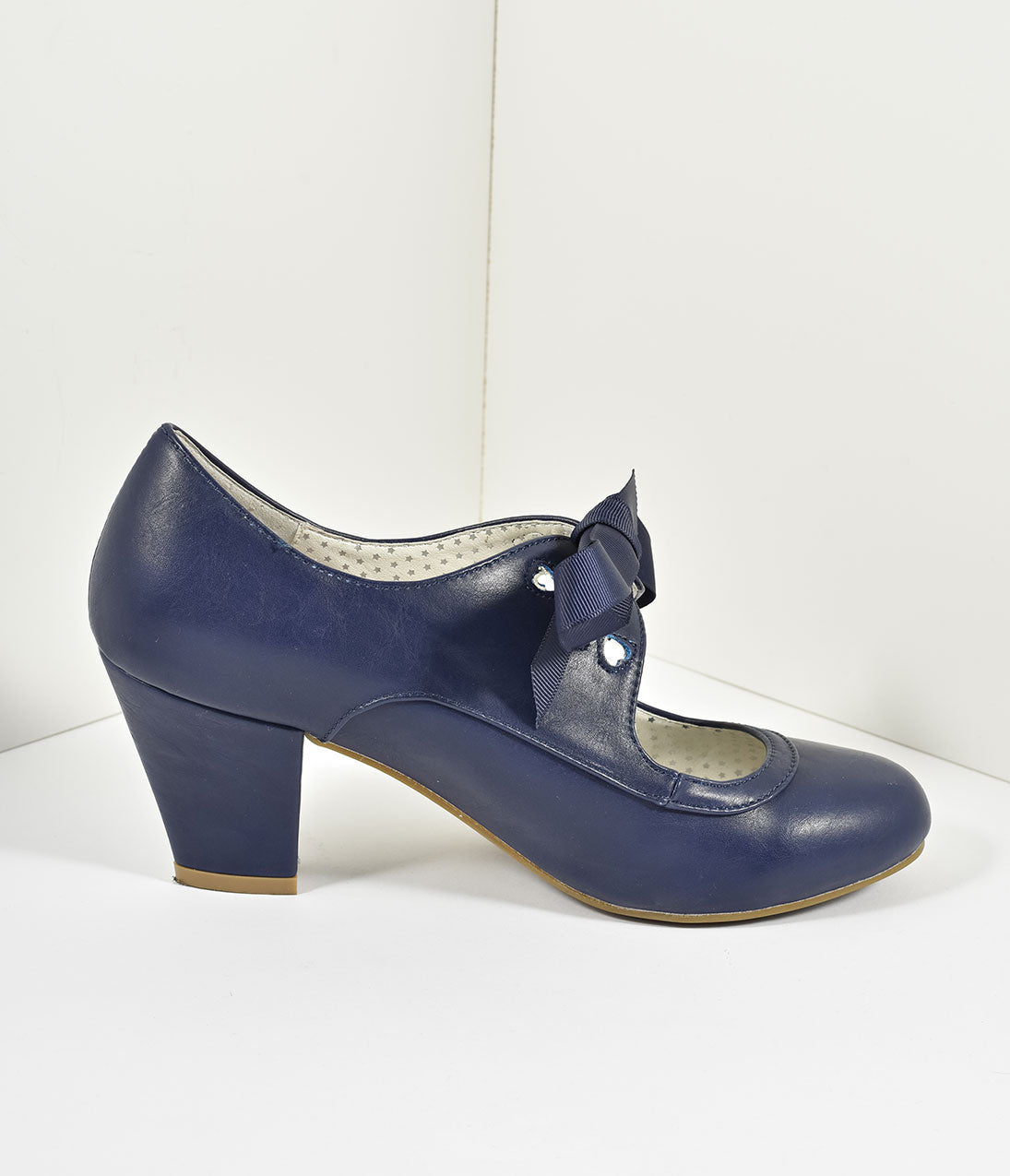 c069b1afd463 Vintage Style Navy Blue Leatherette Mary Jane Bow Wiggle Heels