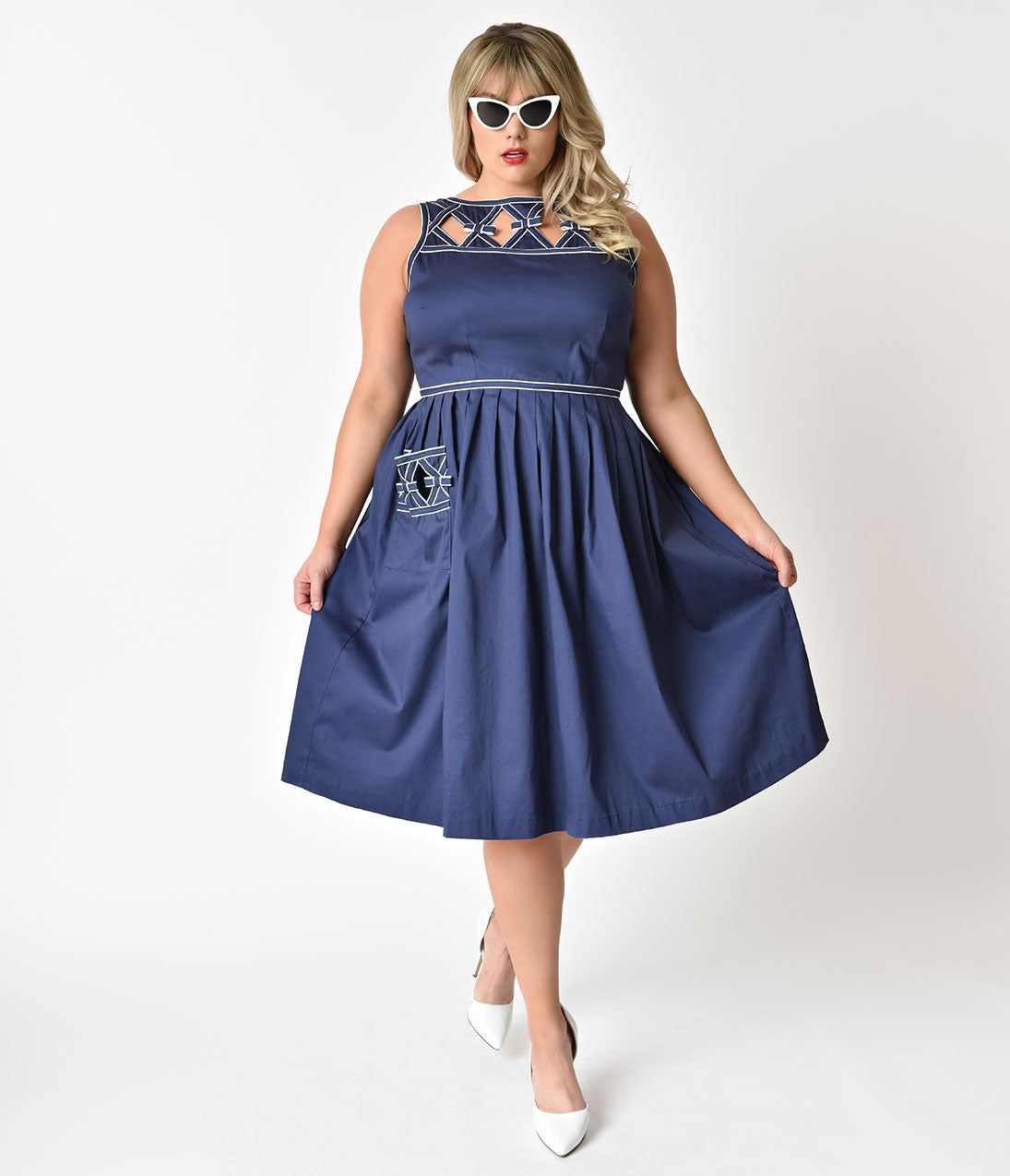 1940s Plus Size Fashion: Style Advice from 1940s to Today Unique Vintage Plus Size 1940S Style Navy Blue Nautical Weave Lakewood Dress $63.00 AT vintagedancer.com