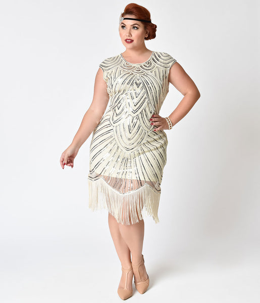 Fringe flapper dresses with curve-hugging shapes, lush layers of fringe and an authentic vintage look will delight any s admirer, and when you pair one with a bold piece of statement jewelry you'll create an eveningwear look that is all your own.