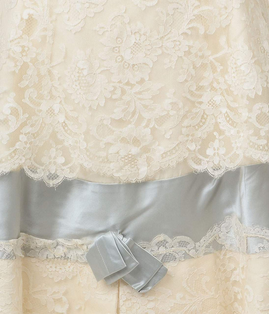 Vintage Ivory Chantilly Lace Designer Wedding Dress – Unique Vintage
