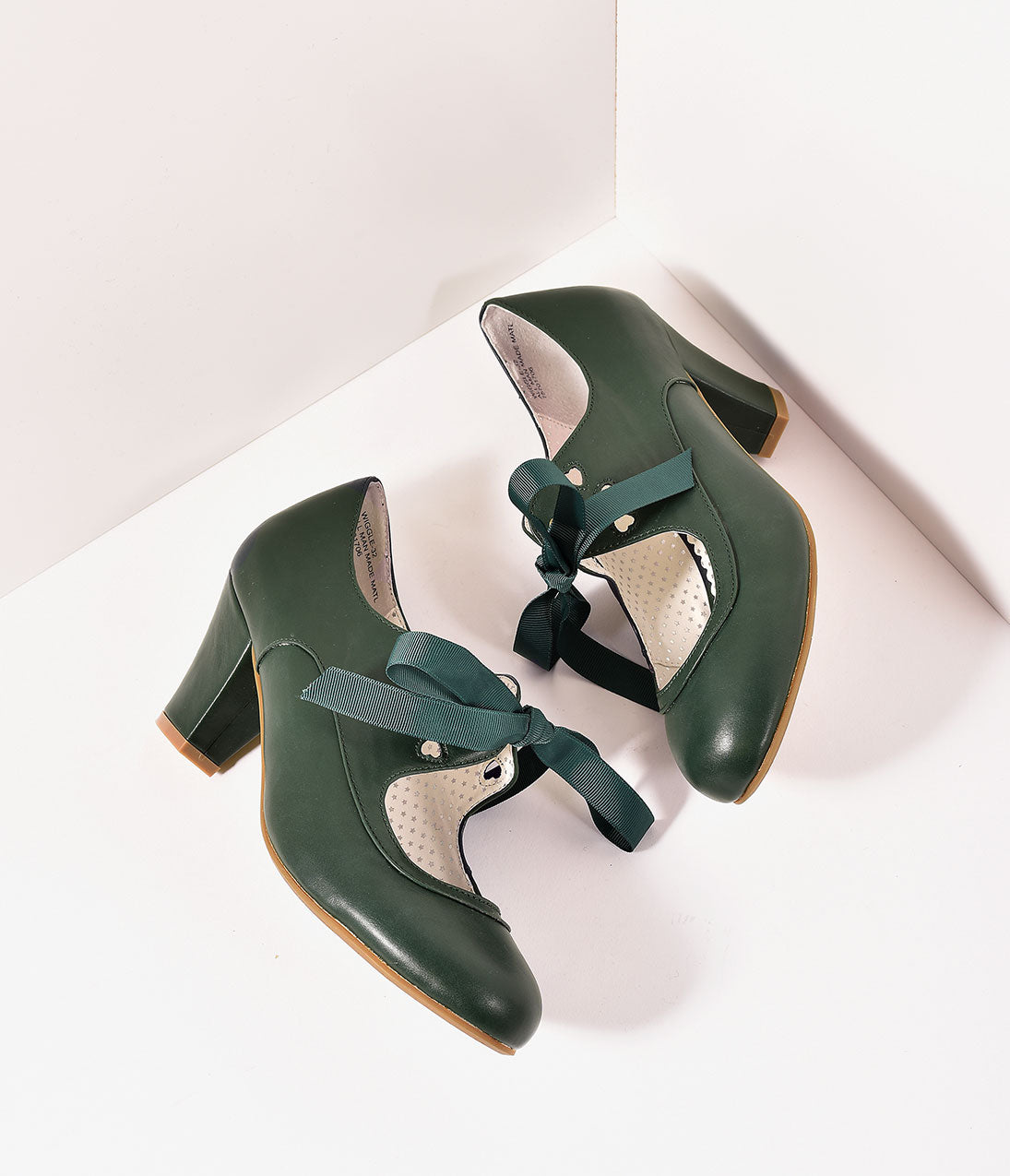Vintage Style Shoes, Vintage Inspired Shoes Vintage Style Emerald Green Leatherette Mary Jane Bow Wiggle Heels $58.00 AT vintagedancer.com