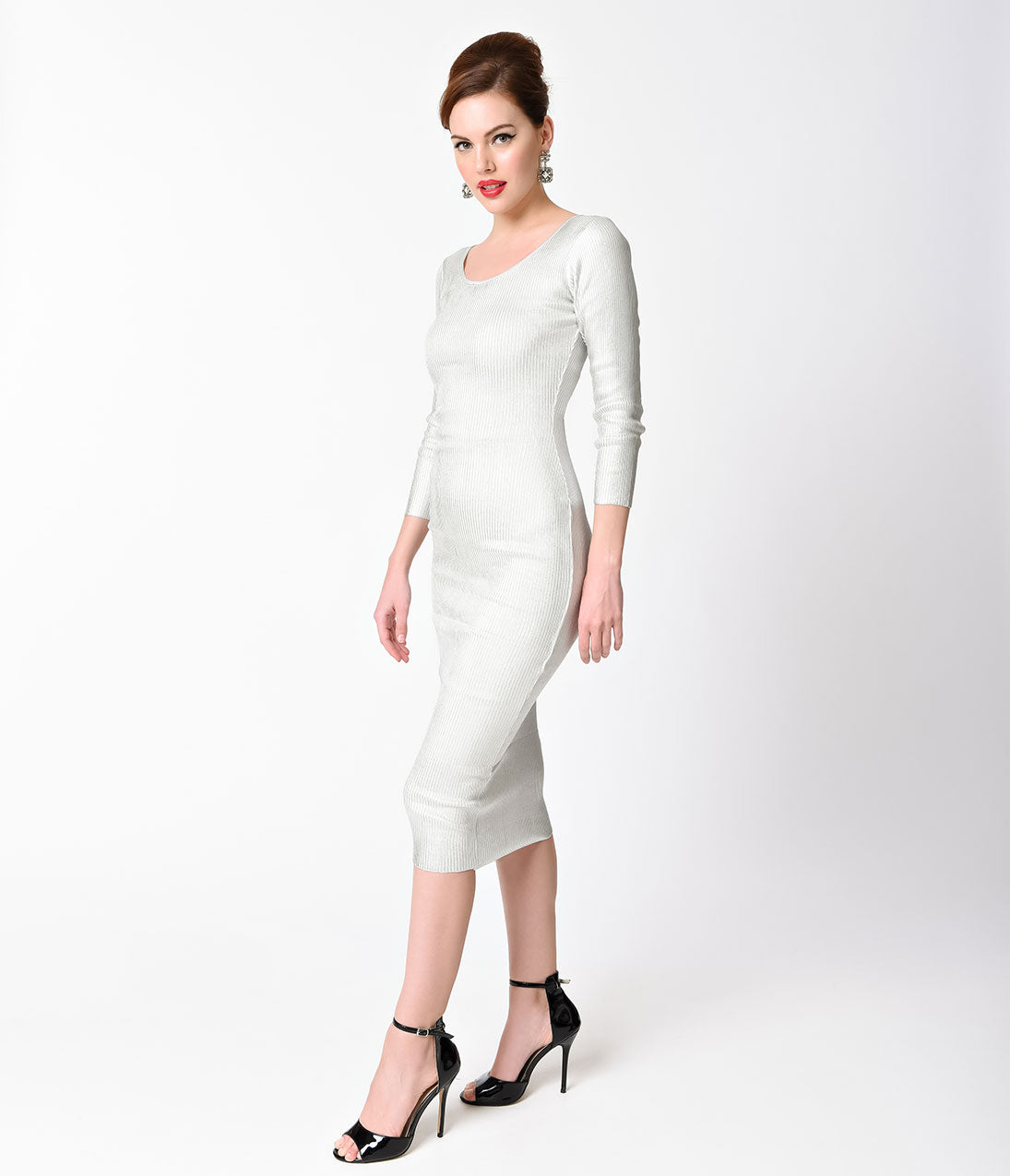 60s Wedding Dress | 1960s Style Wedding Dresses Vintage Style Ivory  Silver Ribbed Long Sleeve Knit Wiggle Dress $47.00 AT vintagedancer.com