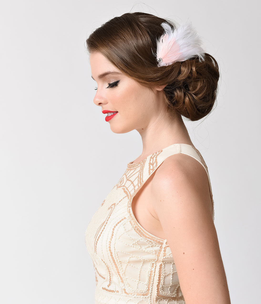 1920s Flapper Headband, Gatsby Headpiece, Wigs Vintage Style White  Light Pink Feather Hair Clip $10.00 AT vintagedancer.com