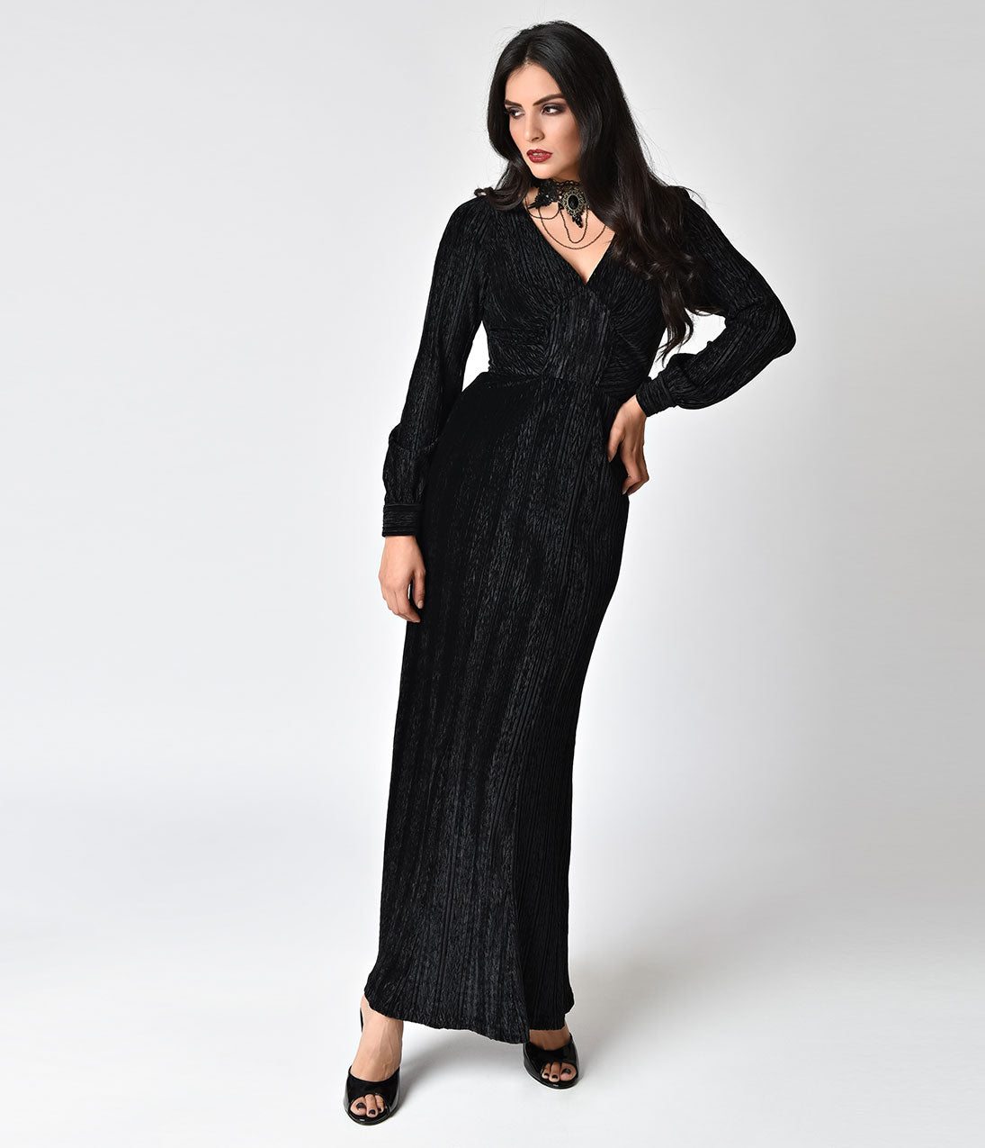 Easy DIY Edwardian Titanic Costumes 1910-1915 Voodoo Vixen 1930S Style Jet Black Velvet Long Sleeve Maxi Dress $78.00 AT vintagedancer.com