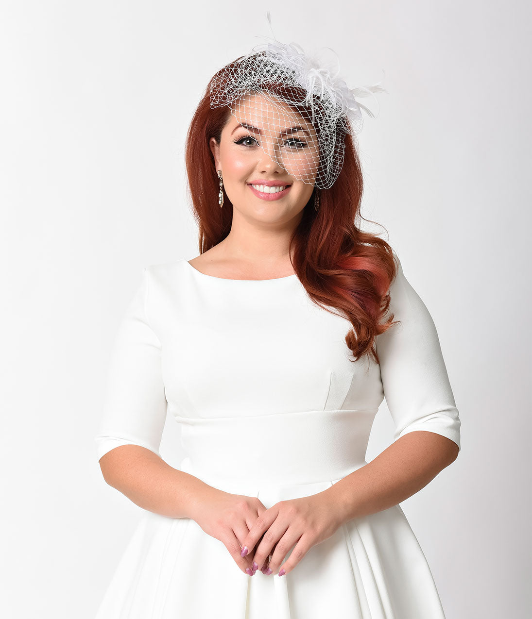 Women's Vintage Hats | Old Fashioned Hats | Retro Hats White Net  Feather Bow Hair Clip Bridal Fascinator $28.00 AT vintagedancer.com