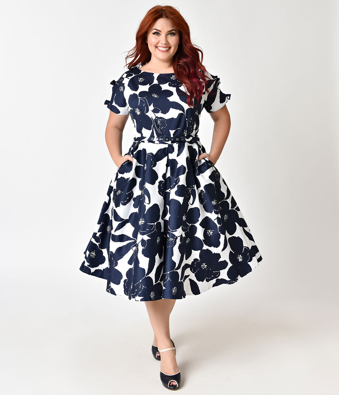0aa985cde8339 Unique Vintage Plus Size 1950s White   Navy Floral Bow Sleeve Selma Swing  Dress