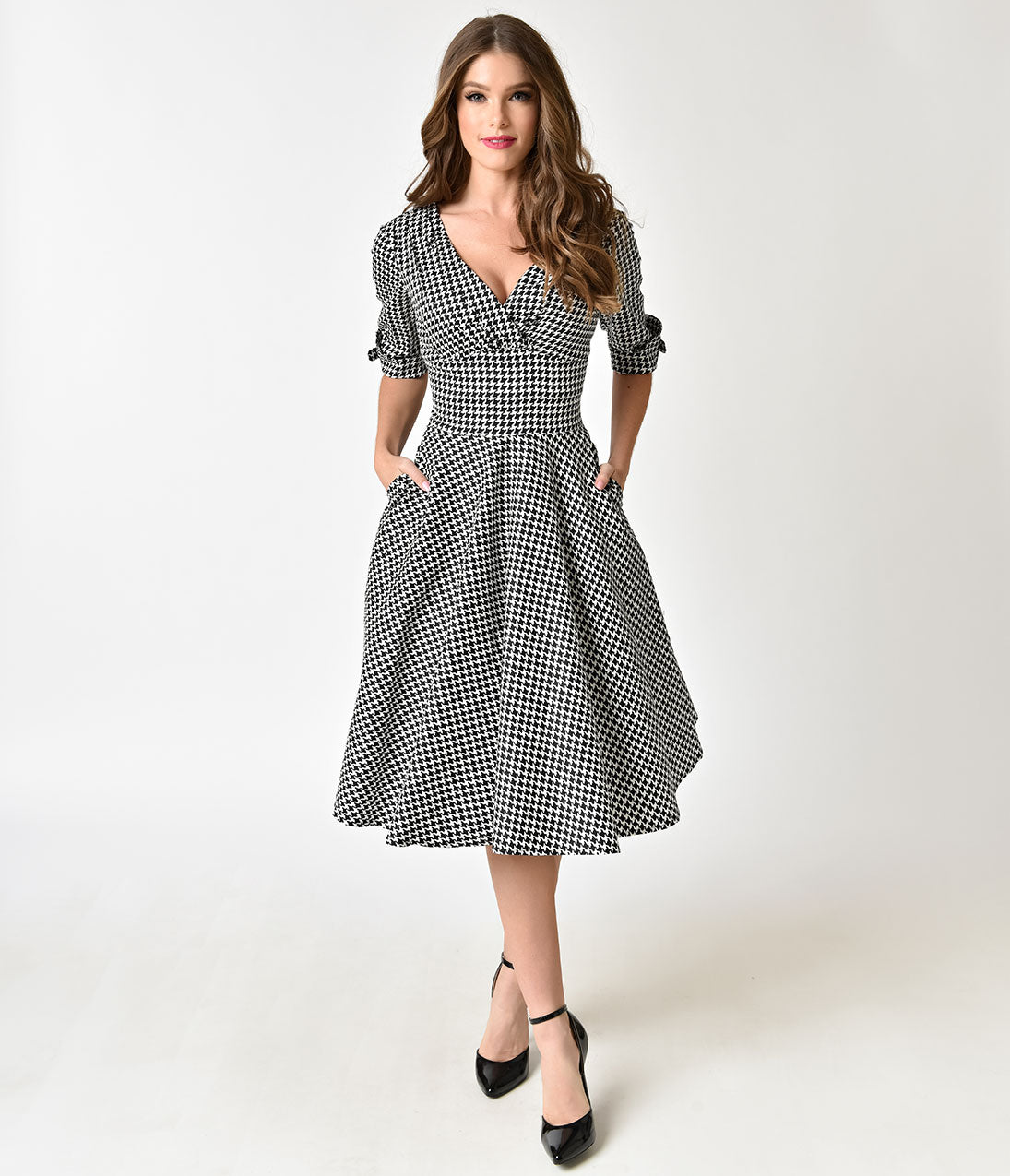 1950s Swing Dresses | 50s Swing Dress Unique Vintage 1950S Black  White Houndstooth Delores Swing Dress With Sleeves $98.00 AT vintagedancer.com