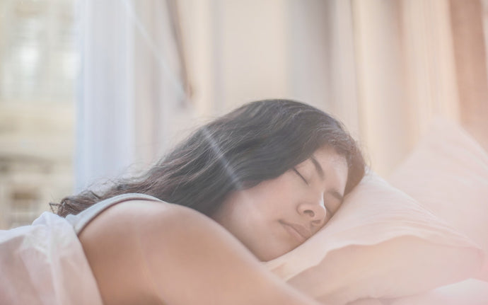 The Link Between Sleep and Skin Health (+ Some Essential Beauty Sleep Tips)