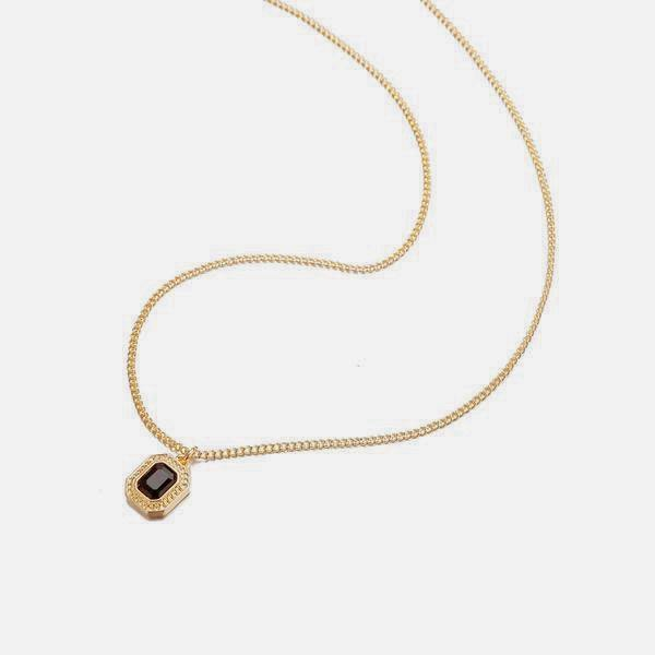 Black Cut Necklace In Gold