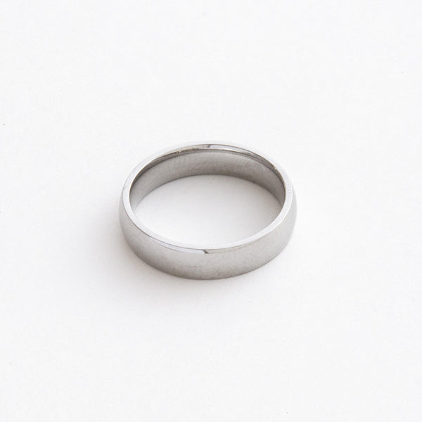 Essential Band Ring in Silver 𝙎𝙩𝙖𝙞𝙣𝙡𝙚𝙨𝙨 𝙎𝙩𝙚𝙚𝙡