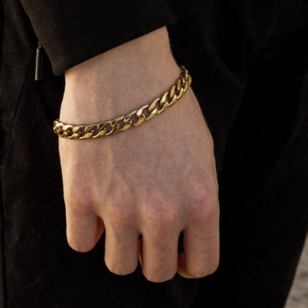 Curb Chain Bracelet in Gold 𝙎𝙩𝙖𝙞𝙣𝙡𝙚𝙨𝙨 𝙎𝙩𝙚𝙚𝙡 - 9mm