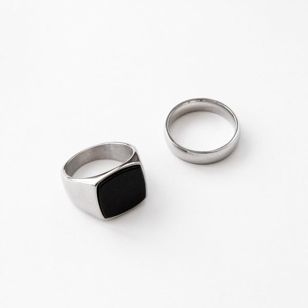 Silver Signet Ring & Band Ring Set in 2-Pack | DesignB - SEO - designblondon