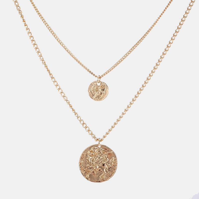 Layered Necklace With Circle Pendants In Gold - designblondon
