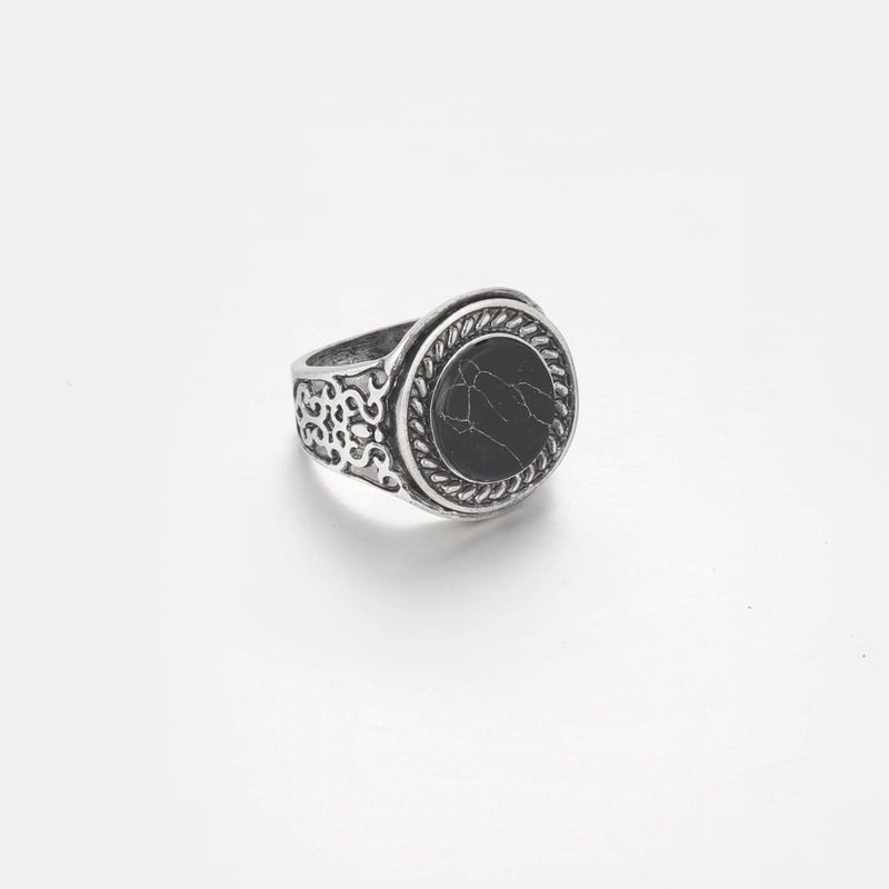 DesignB vintage inspired black marble signet ring in antique Silver