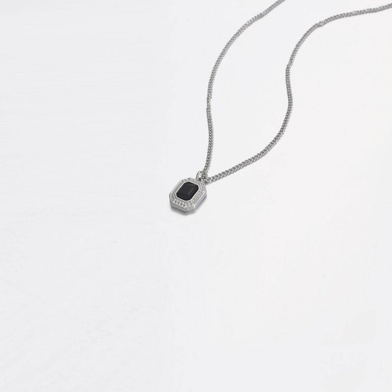 Black Cut Necklace In Silver