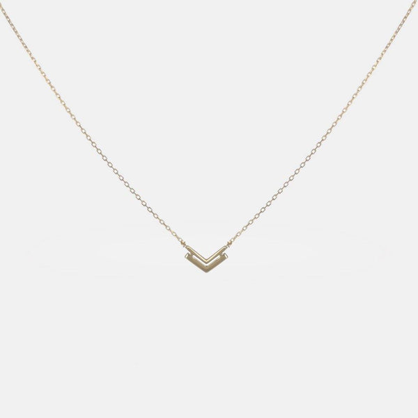 Arrow Necklace in Sterling Silver with 𝙂𝙤𝙡𝙙 𝙋𝙡𝙖𝙩𝙞𝙣𝙜 - designblondon