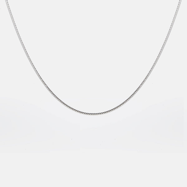 Flat Cobra Chain Necklace In 𝙎𝙩𝙚𝙧𝙡𝙞𝙣𝙜 𝙎𝙞𝙡𝙫𝙚𝙧 - designblondon
