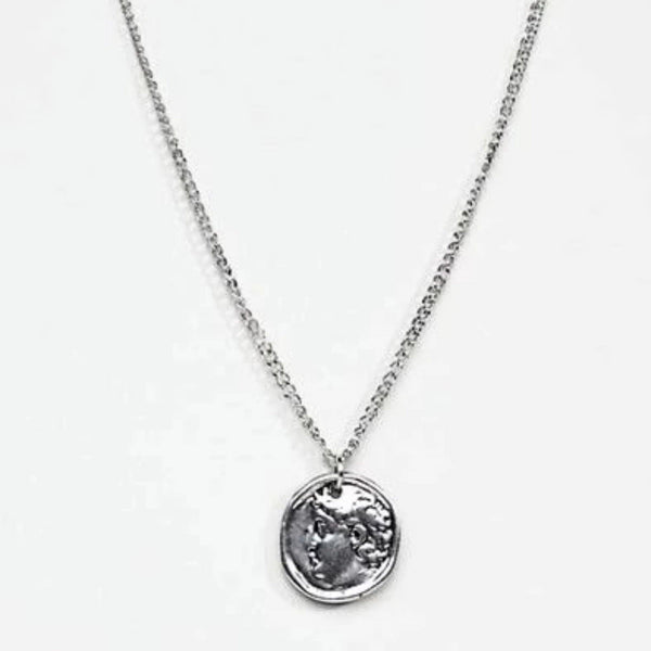 DesignB Coin Pendant Necklace in Silver