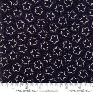 Star & Stripe Gatherings: Cookie Cutter Star Dark Blue Ivory