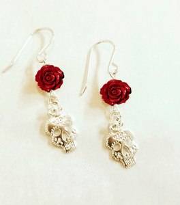 Vida Skull Mini Rose Earrings