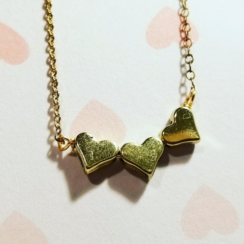 Tres Corazones Gold Necklace