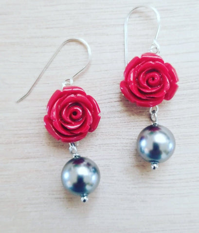 Poderosa Rose Pearl Earrings