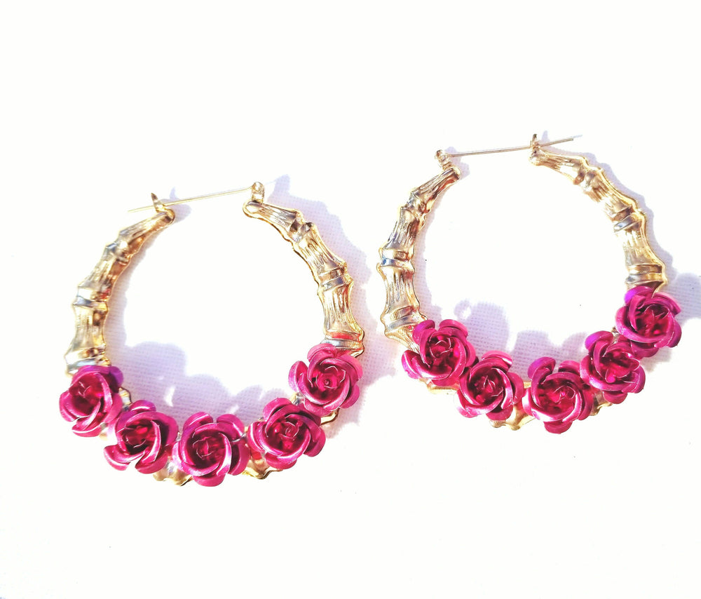 Load image into Gallery viewer, Rosas Y Que Bamboo Hoops