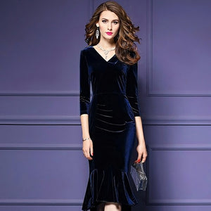Velvet Dress - Be Unique Boutique - FAB - FREE SHIP - CURVY - $19.99 - Slide into this beautiful velvet dress for a night out. Featuring 3/4 sleeves, v-neck, solid pattern, pleats, high-low bottom and falls just below the knee. Choose from 5 awesome colors. From our be unique boutique. Description: Sleeve Length: Three-Quarter, Neckline: V-Neck, Material: Polyester, Velvet, Dress Length: Below