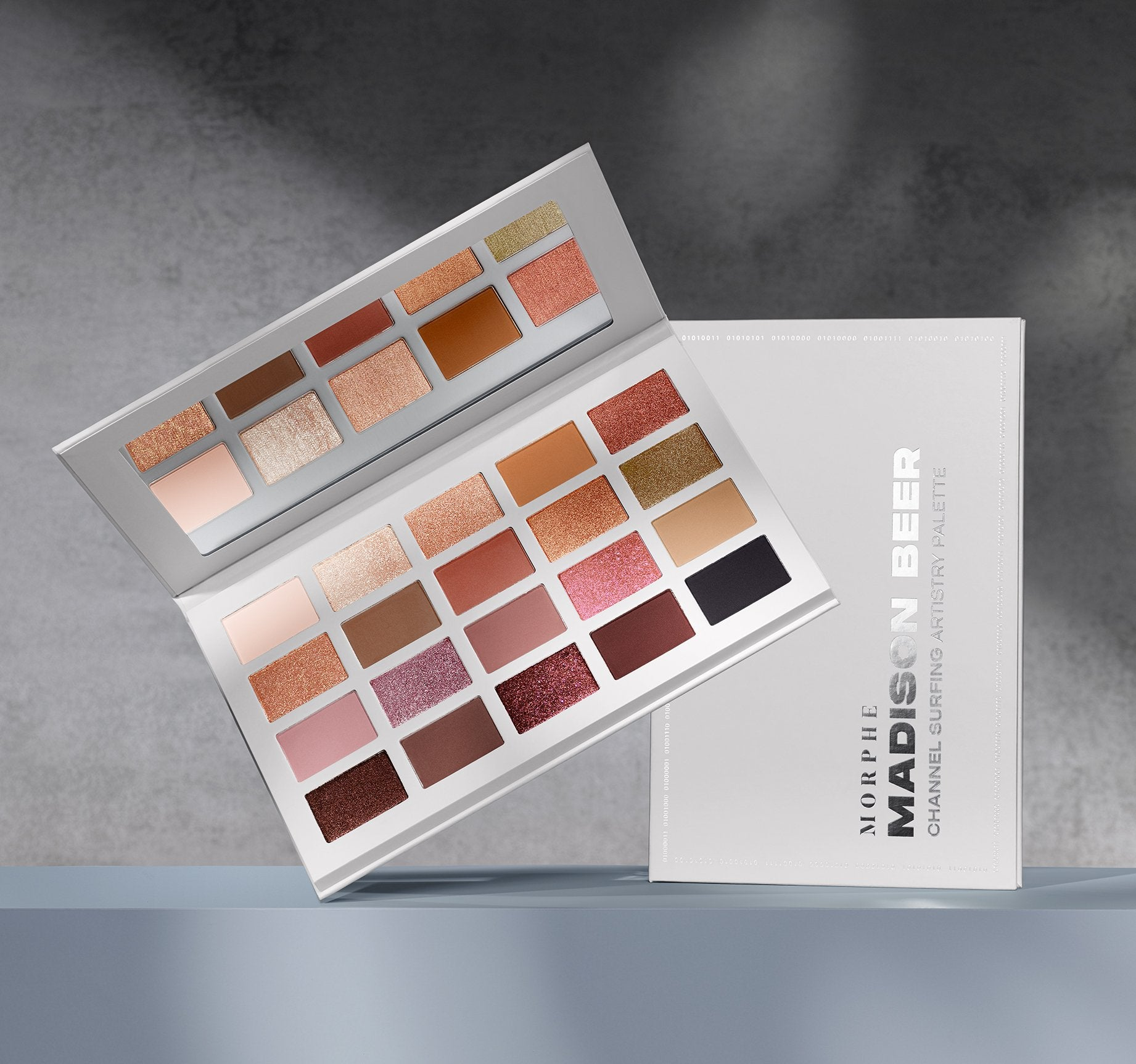 CHANNEL SURFING ARTISTRY PALETTE