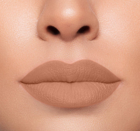 MEGA MATTE LIPSTICK - COMMIT ON MODEL