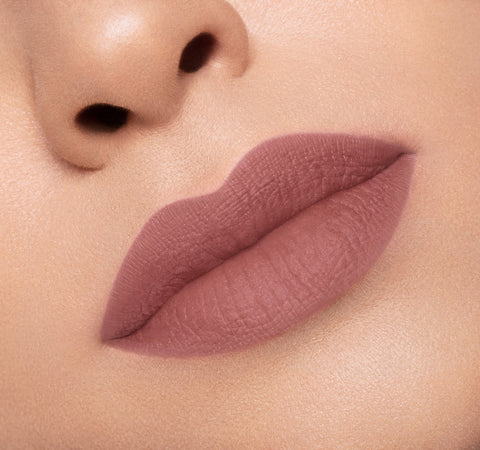 MATTE LIPSTICK - TEMPT ON MODEL