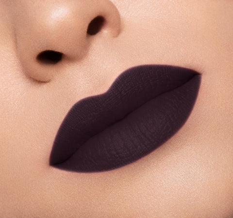 MATTE LIPSTICK - EX ON MODEL