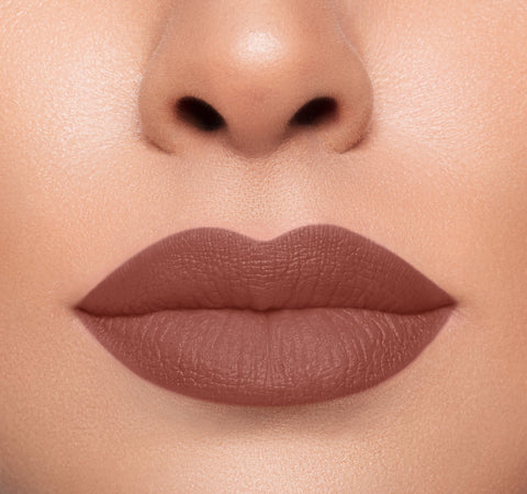 MEGA MATTE LIPSTICK - THE TALK ON MODEL