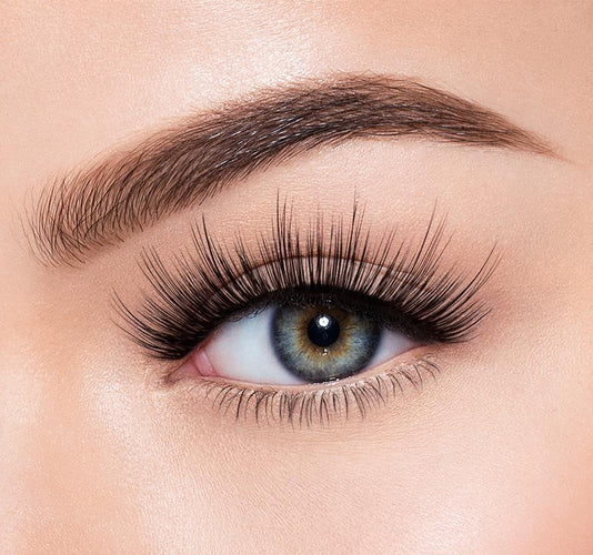 HOT STUFF - MORPHE PREMIUM LASHES ON MODEL