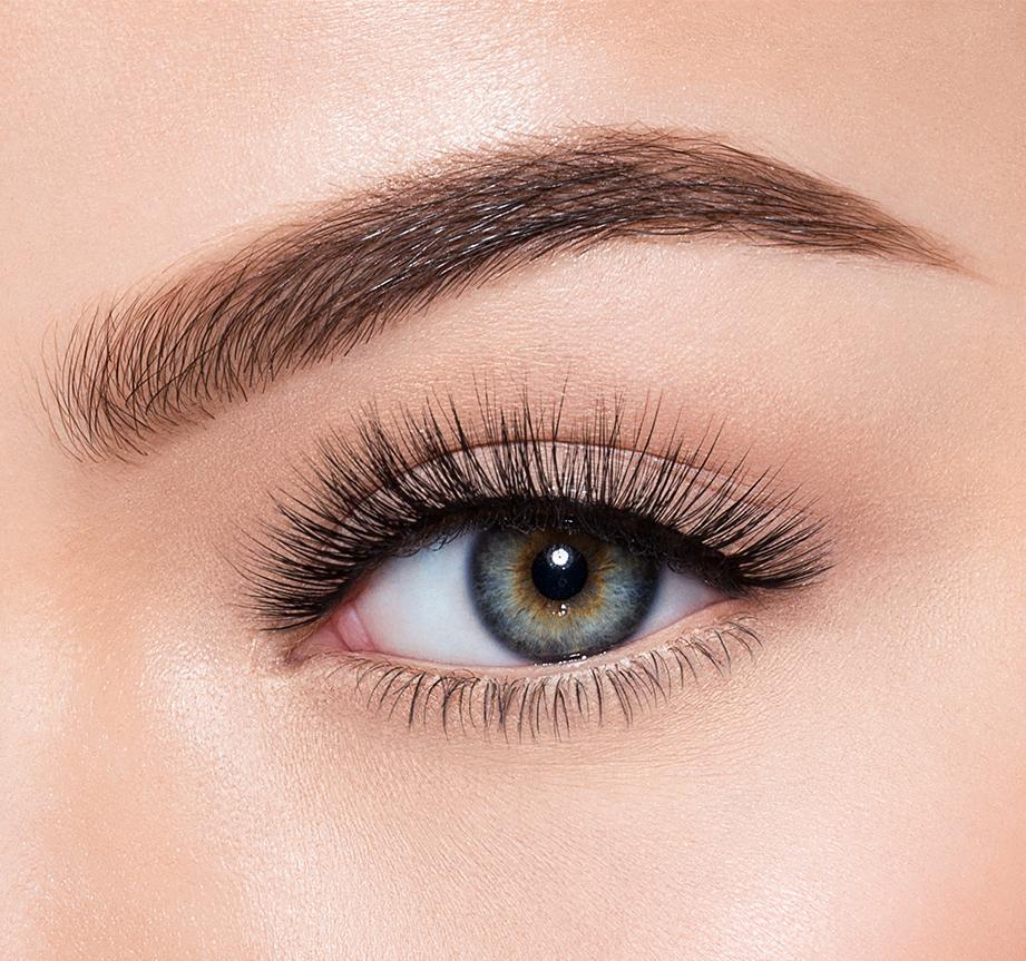SOPHISTICATED-MORPHE PREMIUM LASHES ON MODEL, view larger image