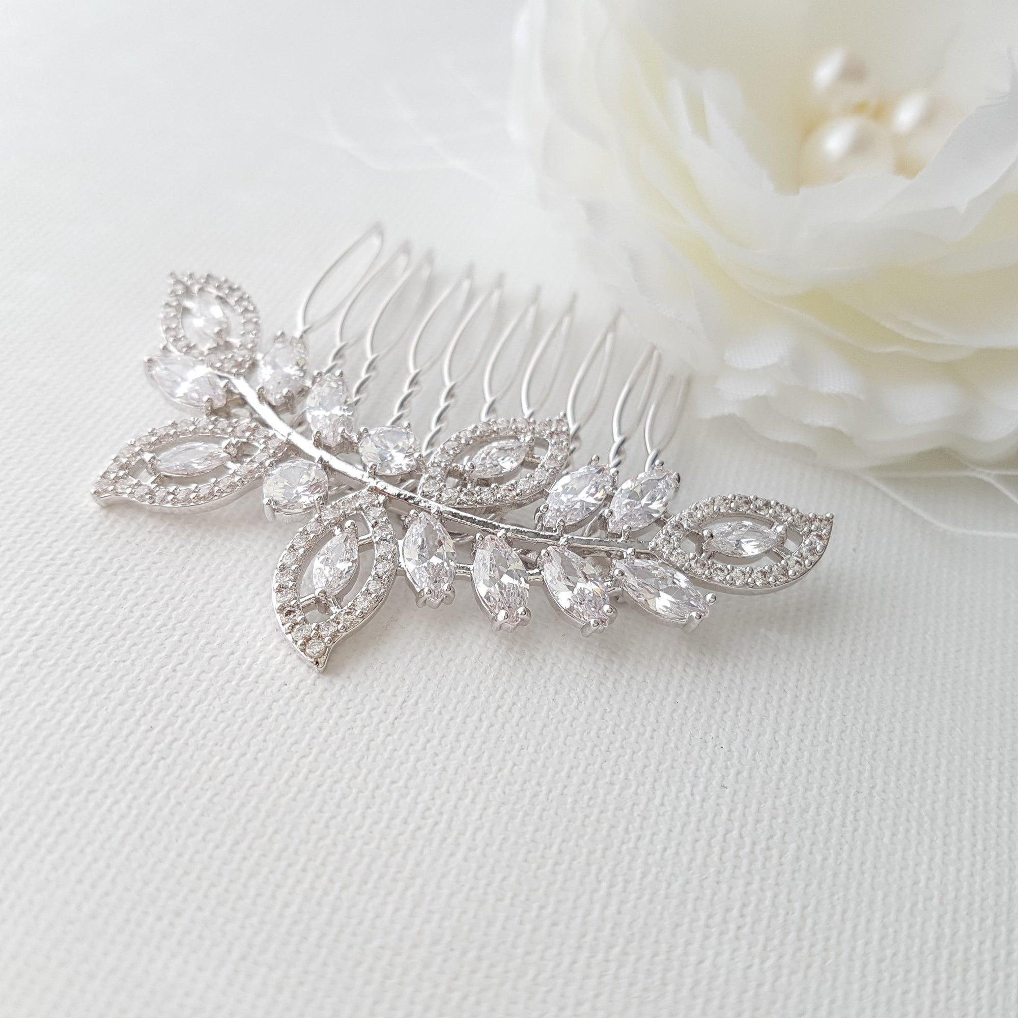 Leaf Bridal Hair Comb With Pearls– Kerry - PoetryDesigns