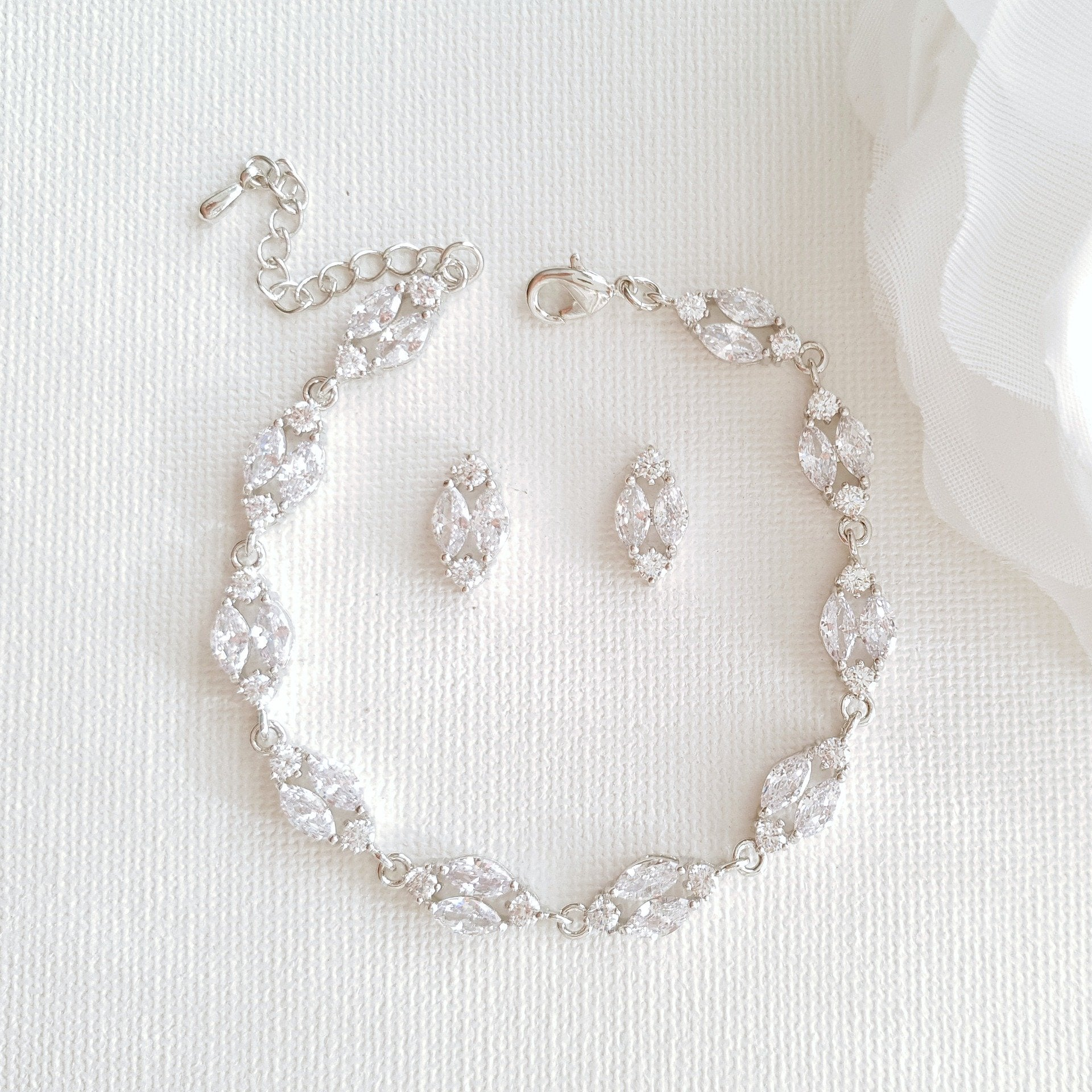 Small Stud Earrings Bracelet Set- Hayley