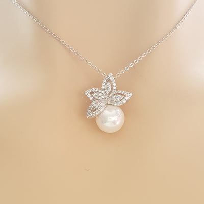 Leaf Necklace With Pearl-Ann