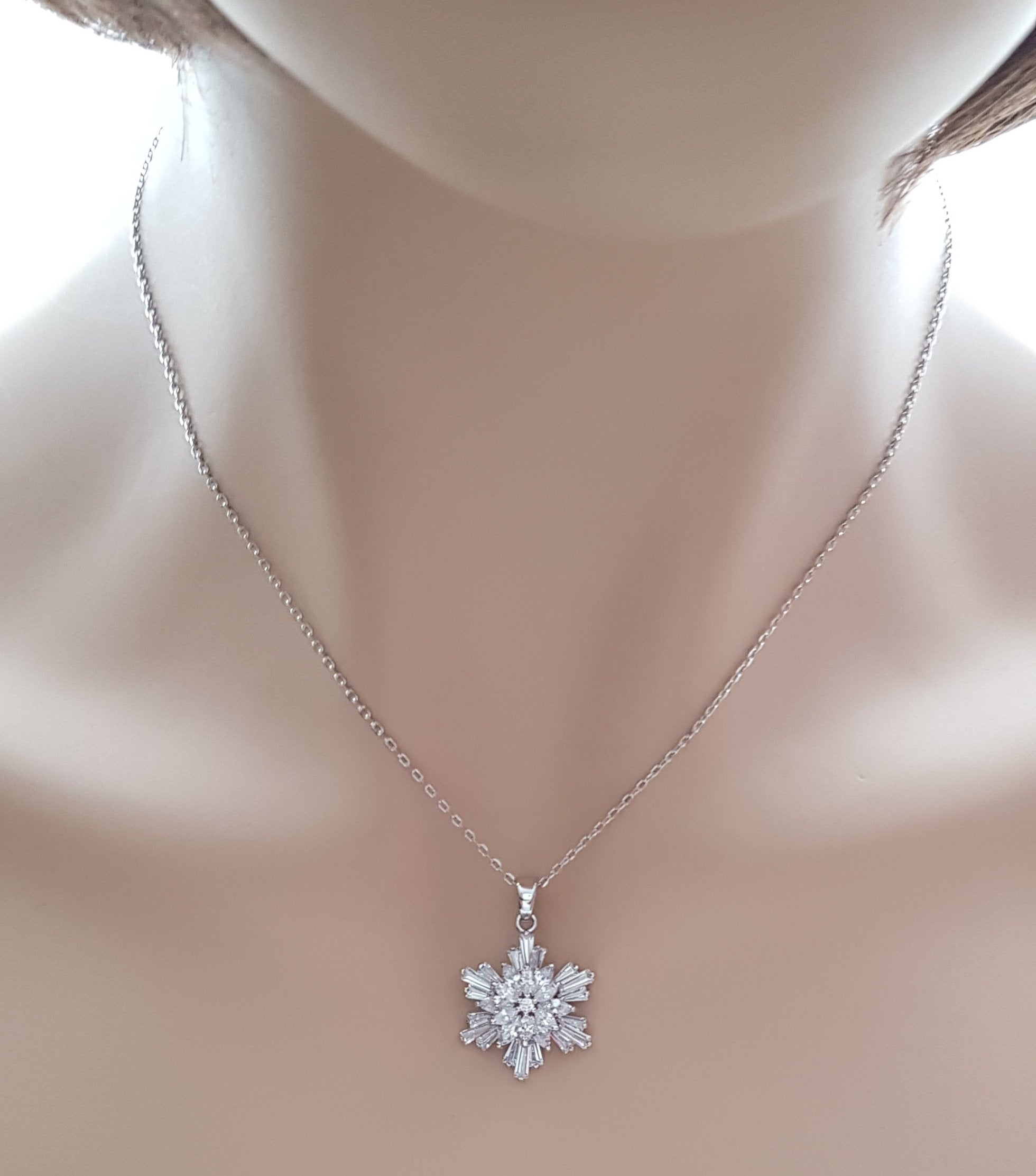 Snowflake Necklace- Flocke - PoetryDesigns