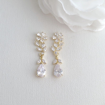 Leaves and Flower Bridal Earrings in Gold -Daisy