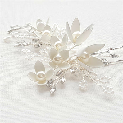 Small White Flowers Bridal Hair Pins With Pearls- Iris