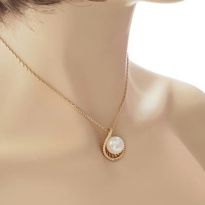 Large Pearl Necklace in Gold-Jen