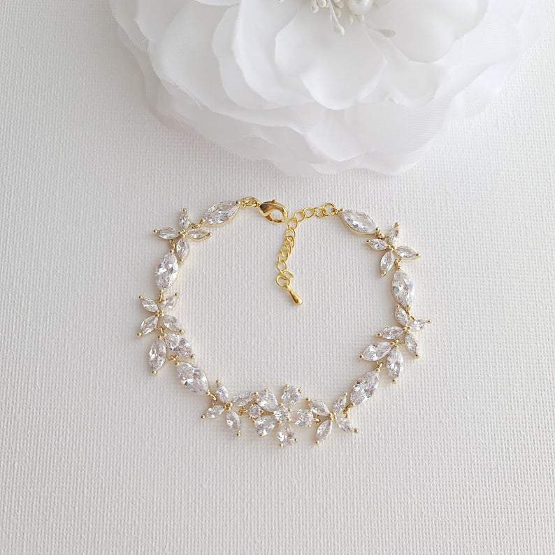 Gold Bridal Bracelet in Flower Design Made of Cubic Zirconia-Daisy