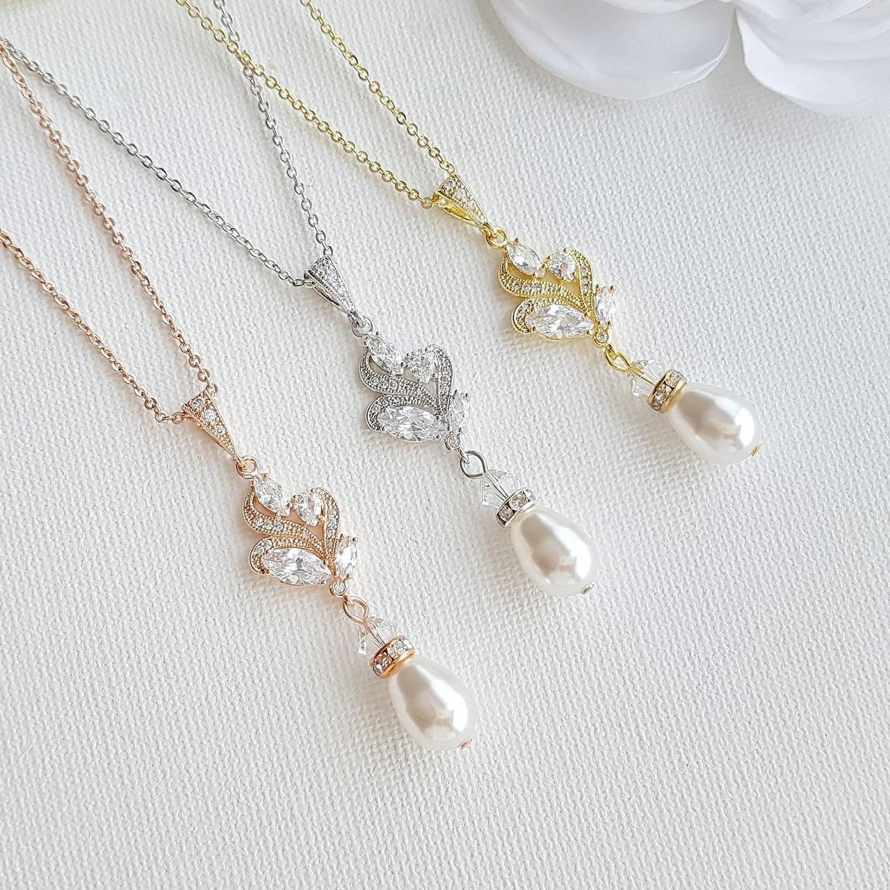 Vintage Style Pearl Drop Pendant Wedding Necklace-Wavy