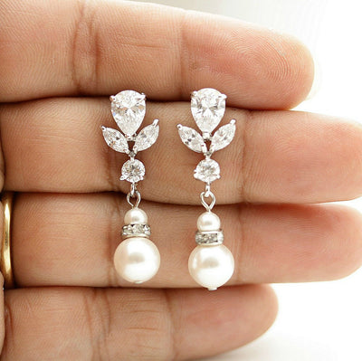 Pearl Bridal Earrings Silver- Nicole