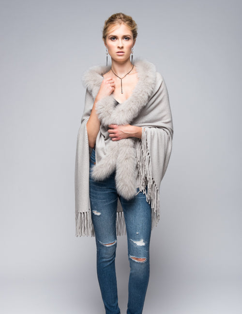 Cashmere Shawl with Long Fox Fur in Dove Gray