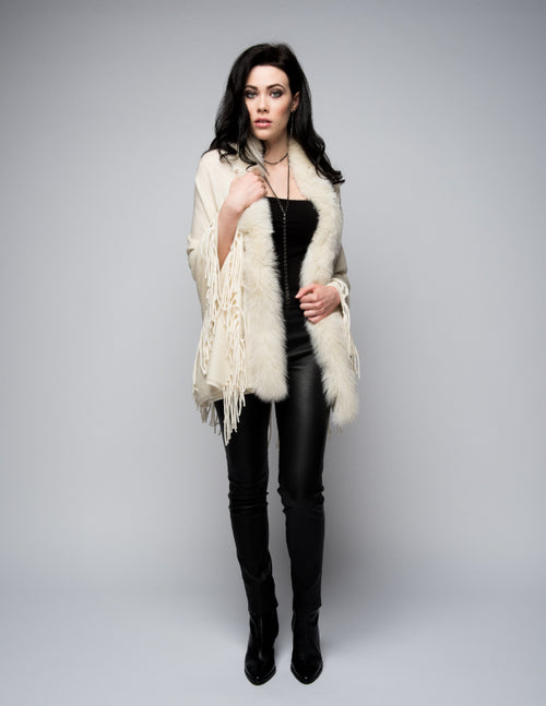 Cashmere Shawl with Long Fox Fur in Vanilla